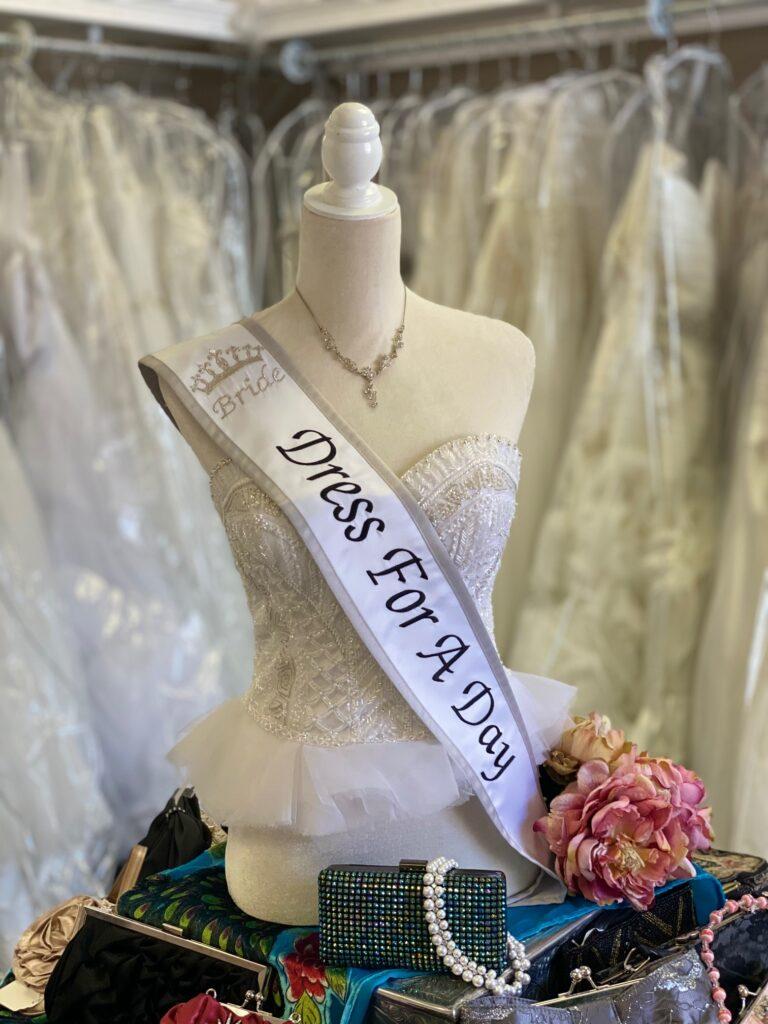 wedding shop mannequin